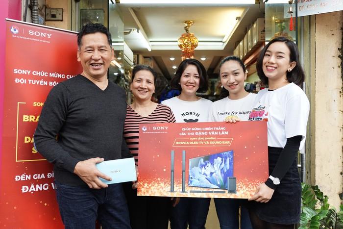 sony - img20190122113938724 - Sony mang thế giới giải trí đến Đội tuyển Bóng đá Quốc gia Việt Nam cùng đón Xuân Kỷ Hợi
