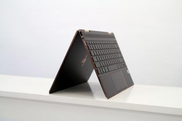 """hp spectre x360 - img20190220151847007 - Laptop """"biến hình"""" HP Spectre x360 cao cấp và bảo mật dành cho doanh nhân"""