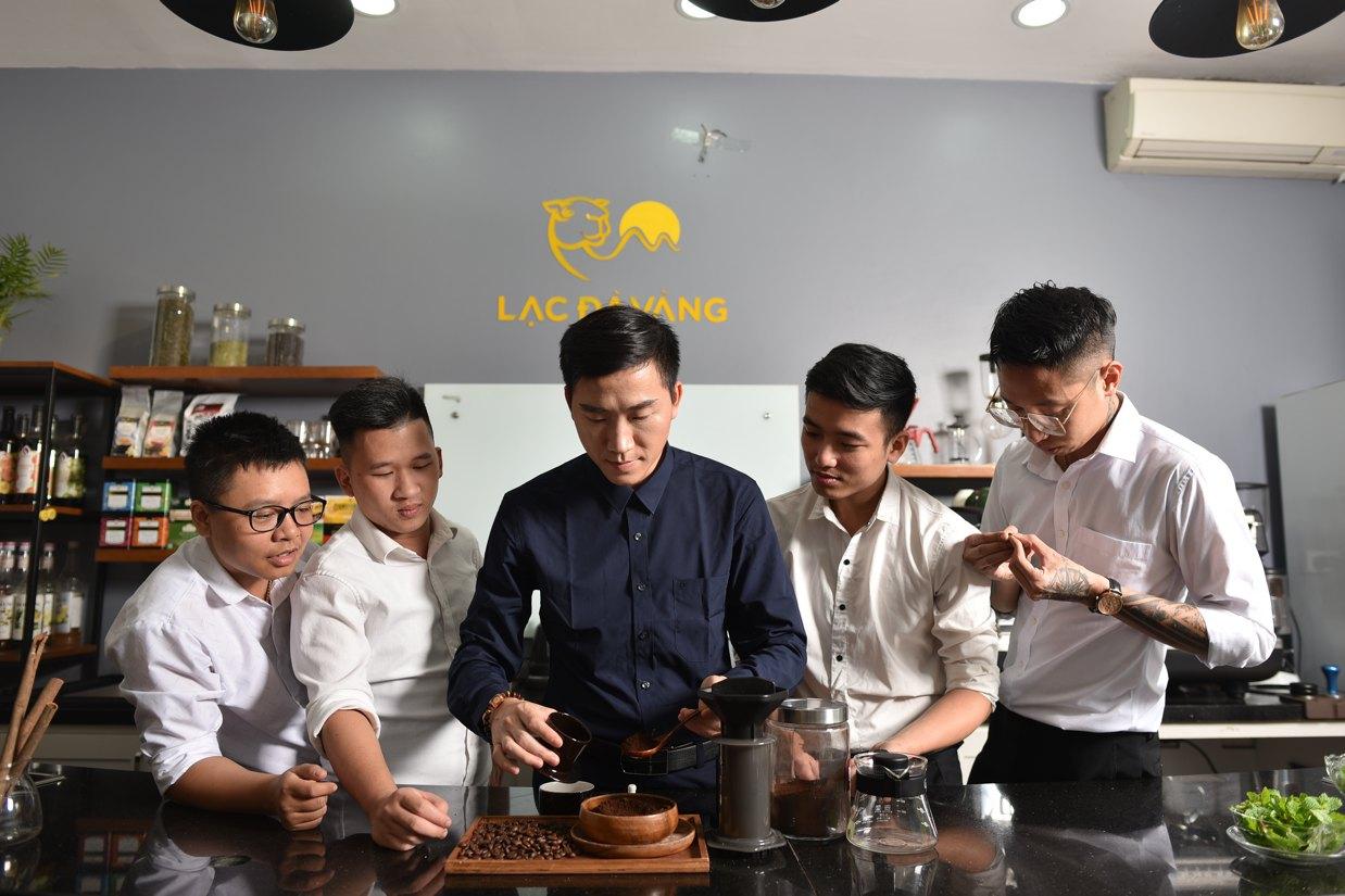 kinh doanh quán cà phê - img20190305102009090 - Kinh doanh quán cà phê – thương hiệu là yếu tố cạnh tranh mạnh mẽ