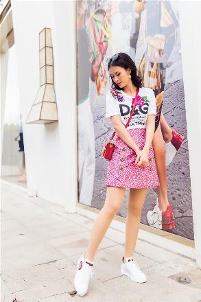Đông Nhi hoá quý cô hàng hiệu sang chảnh với Dolce Gabbana - Ảnh 7.