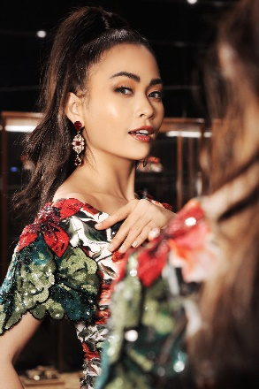 Mâu Thuỷ quyến rũ trong sắc màu nhiệt đới của Dolce & Gabbana - Ảnh 3.