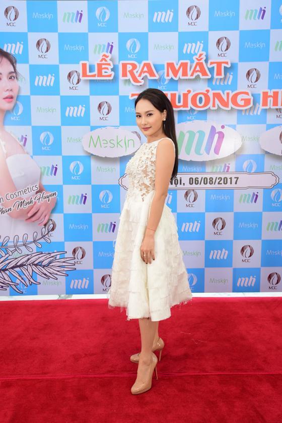 Anh em Phan Thành, Phan Hải diện vest hộ tống Lã Thanh Huyền dự sự kiện của Huyền Lizze - Ảnh 2.