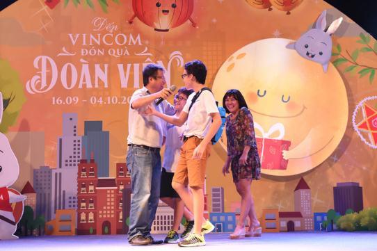 Hàng ngàn người hào hứng chiêm ngưỡngVạn thỏ ngắm siêu trăng tại Royal City - Ảnh 8.