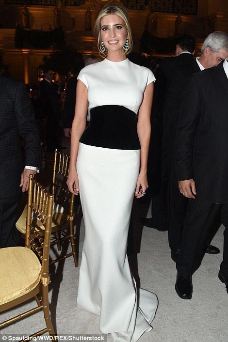 Khám phá thương hiệu thời trang yêu thích của ái nữ nhà Trump - Ảnh 1.