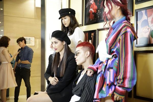 Sau Fashion Week, Kelbin Lei tái xuất nổi bật tại Charles & Keith Vincom Đồng Khởi - Ảnh 8.