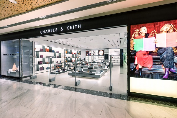 Sau Fashion Week, Kelbin Lei tái xuất nổi bật tại Charles & Keith Vincom Đồng Khởi - Ảnh 11.