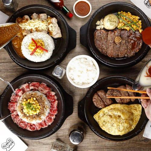Giới trẻ hào hứng tự chế beefsteak tại bàn với thực đơn tùy chọn kiểu Nhật - Ảnh 3.