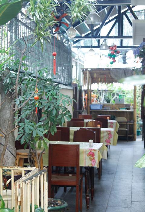 Ở Sài Gòn có một quán gỏi cá suốt 30 năm vẫn chỉ bán 40 đĩa 1 ngày mà vạn người mê - Ảnh 3.