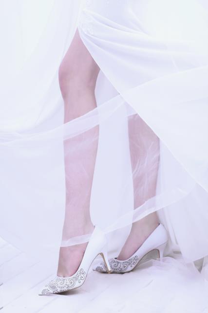 Thuần khiết và trong trẻo như những đôi giày cưới của Dolly - Ảnh 11.