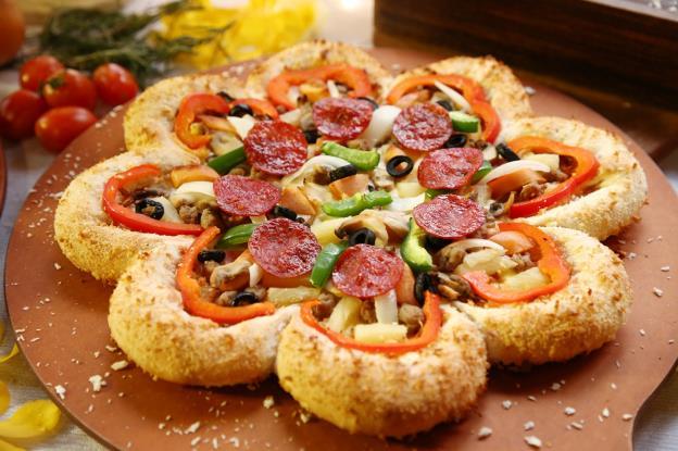 Bánh pizza hình hoa có gì lạ mà khiến sao Việt phát cuồng thế này! - Ảnh 9.