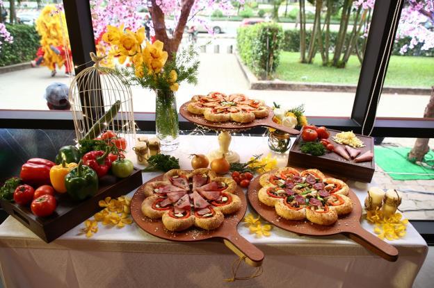 Bánh pizza hình hoa có gì lạ mà khiến sao Việt phát cuồng thế này! - Ảnh 10.