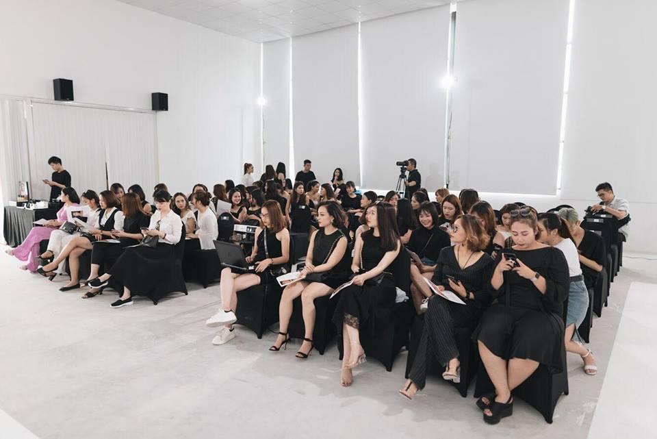 Điều gì xảy ra khi phù thủy make-up Việt kết hợp với thương hiệu mỹ phẩm lớn? - Ảnh 5.