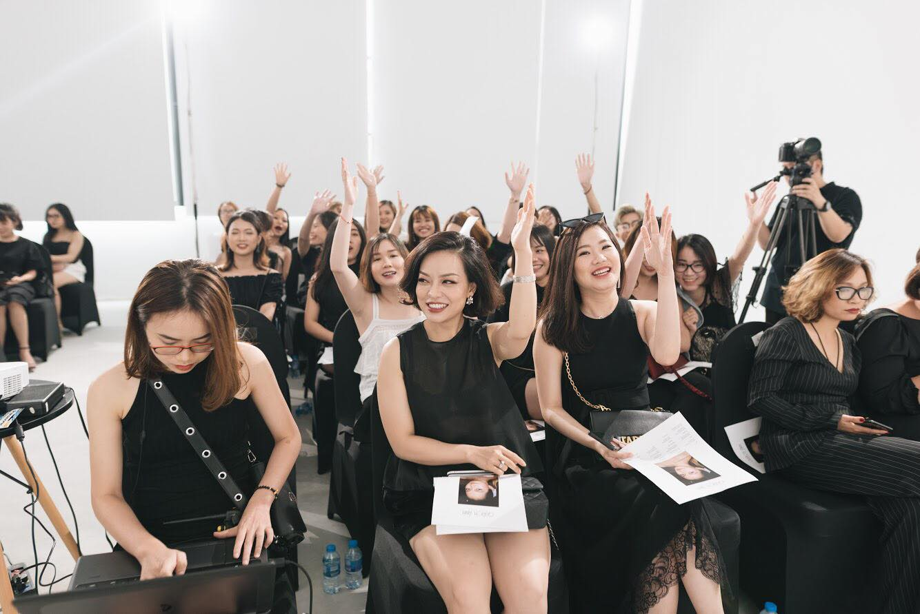 Điều gì xảy ra khi phù thủy make-up Việt kết hợp với thương hiệu mỹ phẩm lớn? - Ảnh 9.