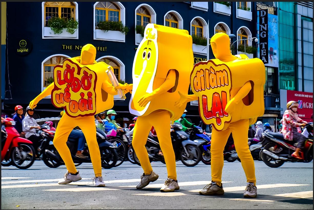 Bất chấp nắng gắt, biệt đội sinh vật lạ tràn từ Hà Nội vào Sài Gòn khiến dân tình tỉnh cả ngủ - Ảnh 2.