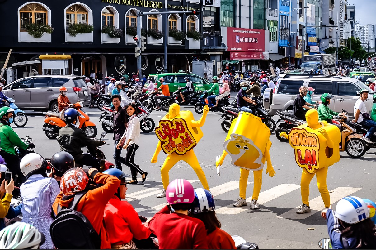 Bất chấp nắng gắt, biệt đội sinh vật lạ tràn từ Hà Nội vào Sài Gòn khiến dân tình tỉnh cả ngủ - Ảnh 3.