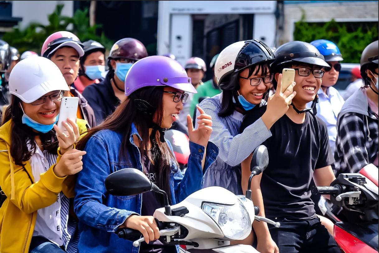 Bất chấp nắng gắt, biệt đội sinh vật lạ tràn từ Hà Nội vào Sài Gòn khiến dân tình tỉnh cả ngủ - Ảnh 5.