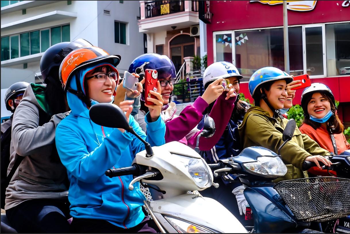 Bất chấp nắng gắt, biệt đội sinh vật lạ tràn từ Hà Nội vào Sài Gòn khiến dân tình tỉnh cả ngủ - Ảnh 8.