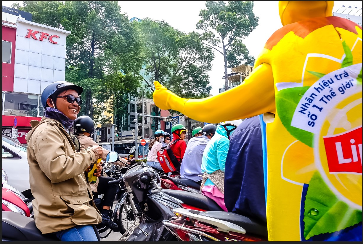 Bất chấp nắng gắt, biệt đội sinh vật lạ tràn từ Hà Nội vào Sài Gòn khiến dân tình tỉnh cả ngủ - Ảnh 14.