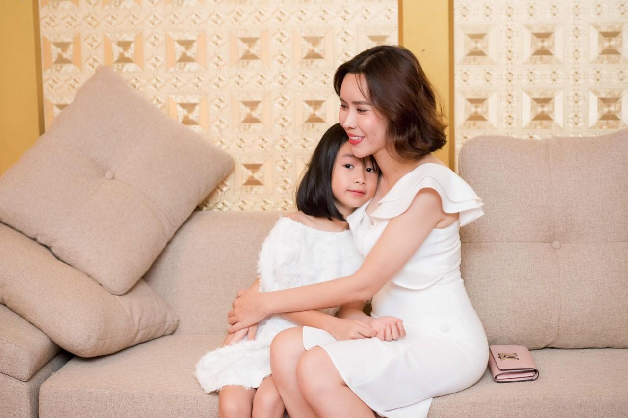 Lưu Hương Giang chia sẻ bí quyết giản đơn giúp gia đình hạnh phúc - Ảnh 4.