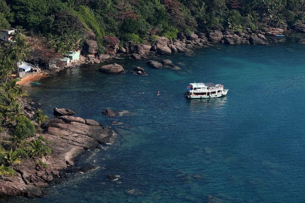 Vẻ đẹp mê hồn của Nam Phú Quốc nhìn từ cabin cáp treo Hòn Thơm - Ảnh 4.