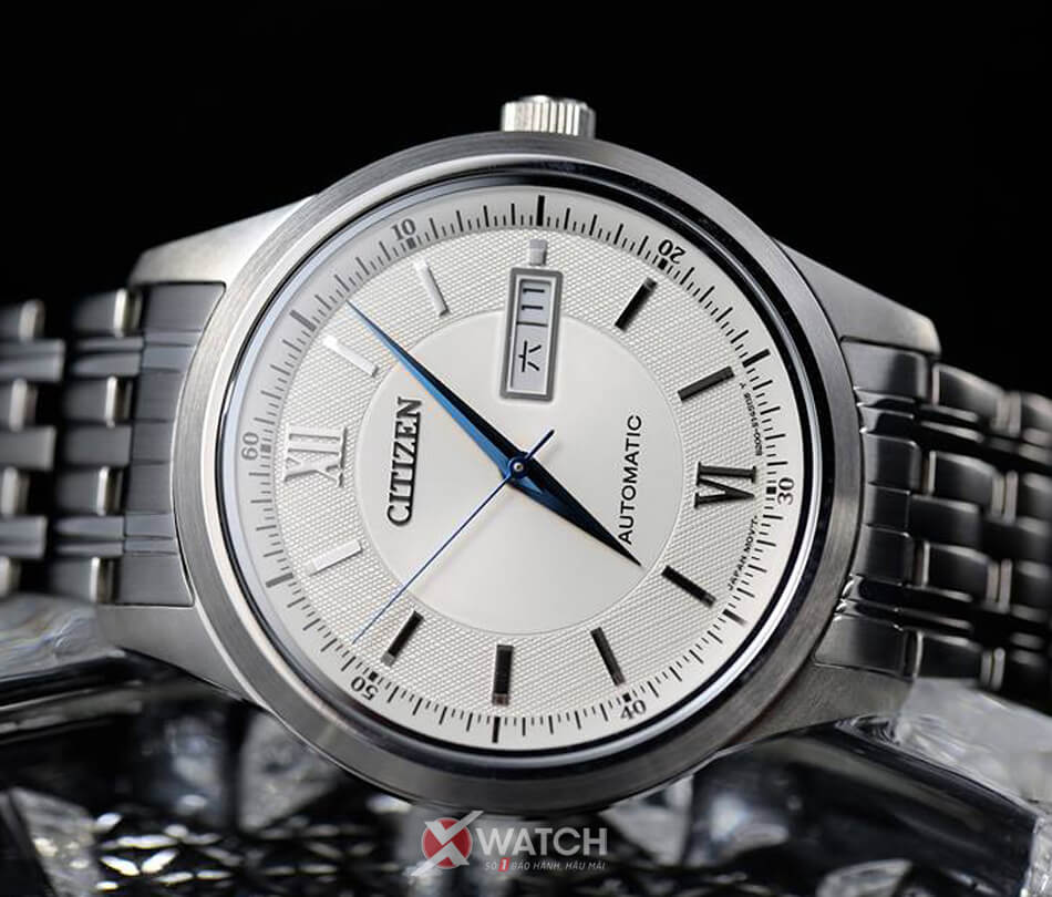 5 mẫu đồng hồ nam chính hãng được săn lùng nhiều nhất tại Xwatch - Ảnh 3.