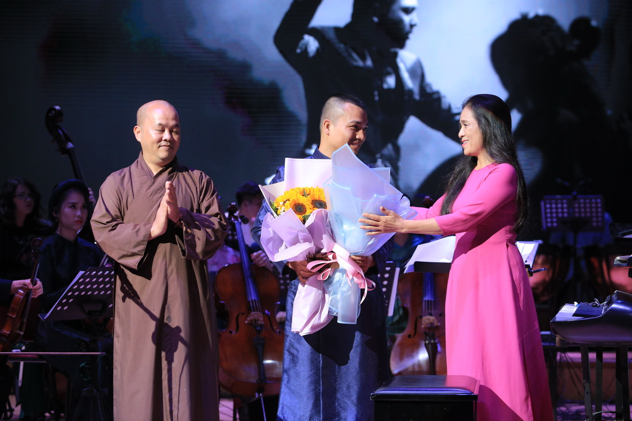 Dàn nhạc giao hưởng triệu view khẳng định đẳng cấp với concert cùng diva Hàn Quốc Sohyang - Ảnh 7.