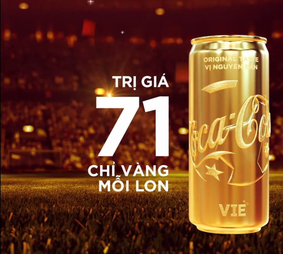 Coca-Cola tiếp lửa cho đội tuyển với lon Việt Nam vô địch bằng vàng - Ảnh 2.