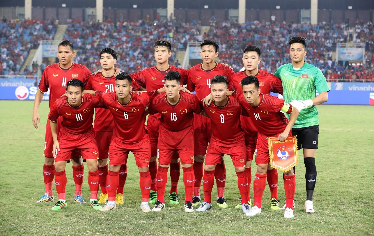 Coca-Cola tiếp lửa cho đội tuyển với lon Việt Nam vô địch bằng vàng - Ảnh 3.