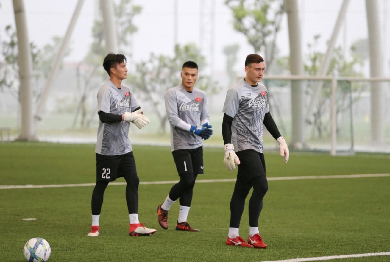Coca-Cola tiếp lửa cho đội tuyển với lon Việt Nam vô địch bằng vàng - Ảnh 4.