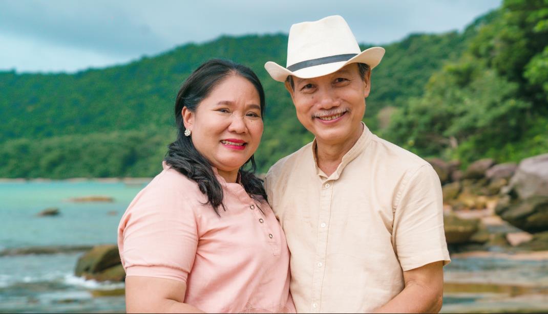"""Cộng đồng mạng """"rần rần"""" với Hậu duệ mặt trời, Ngôi nhà hạnh phúc, Thư ký Kim phiên bản ông bà Việt Nam - Ảnh 1."""