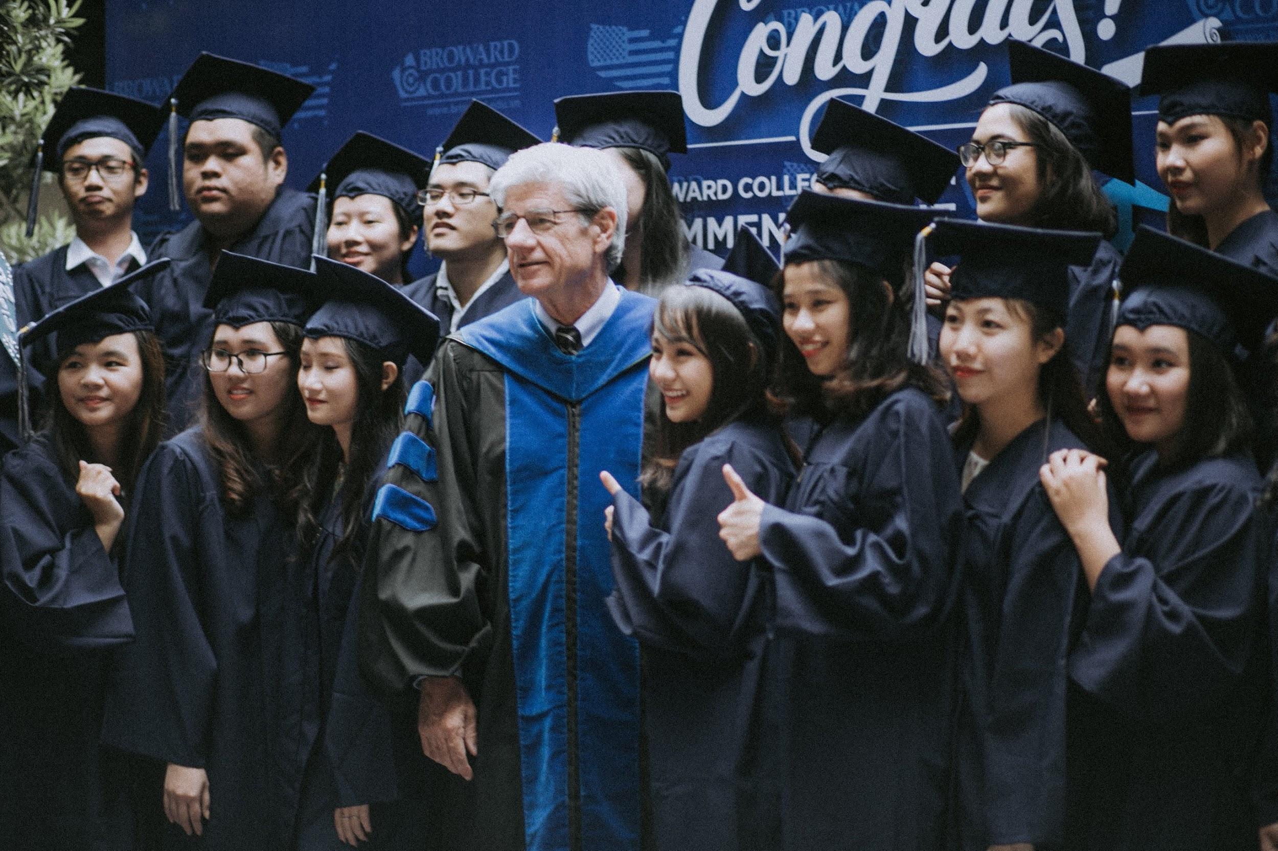 Sự khởi đầu đầy hứng khởi tại Broward College Vietnam - Ảnh 1.