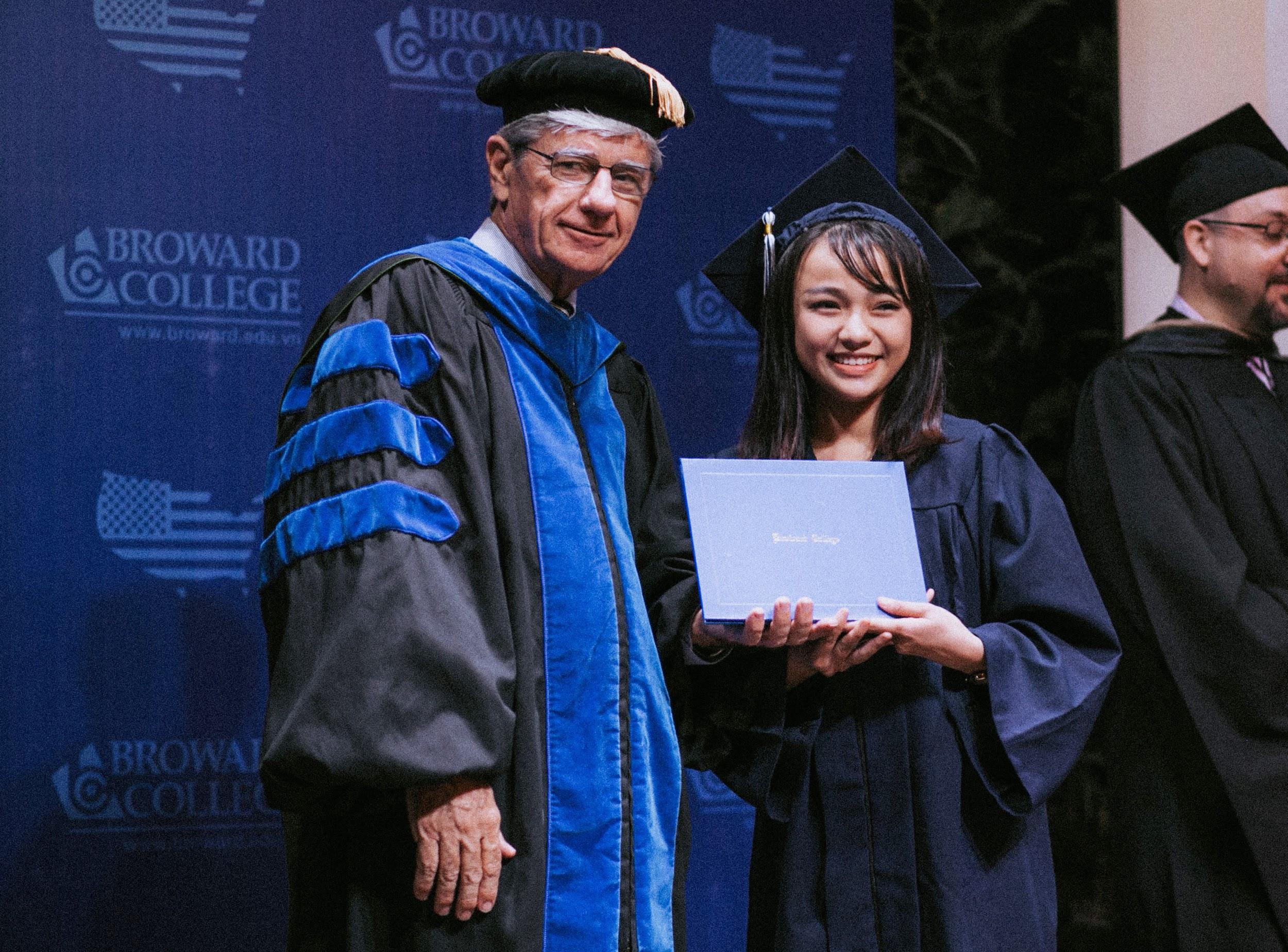 Sự khởi đầu đầy hứng khởi tại Broward College Vietnam - Ảnh 3.