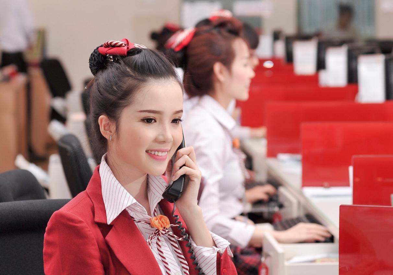"""Nữ nhân viên ngân hàng đi thi hoa hậu: """"Cháy hết mình cho thanh xuân rực rỡ"""" - Ảnh 1."""
