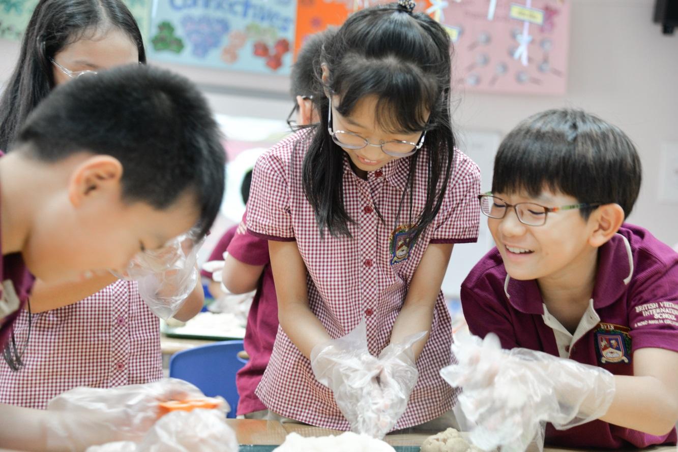 Trung thu truyền thống ở trường quốc tế như thế nào? - Ảnh 1.