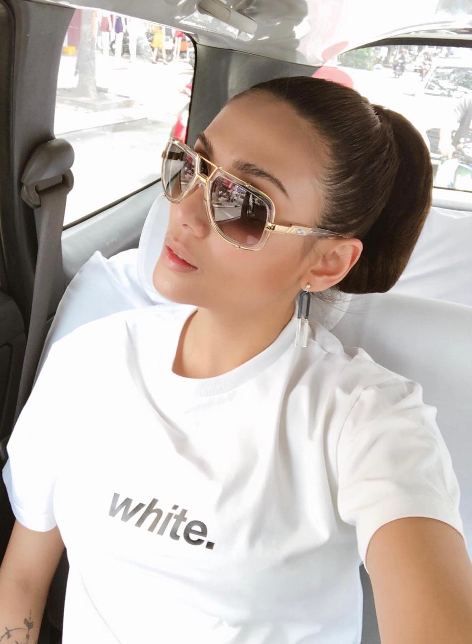 Midu cùng dàn sao Việt xuống phố chuẩn phong cách thời thượng chỉ với áo thun trắng basic - Ảnh 8.