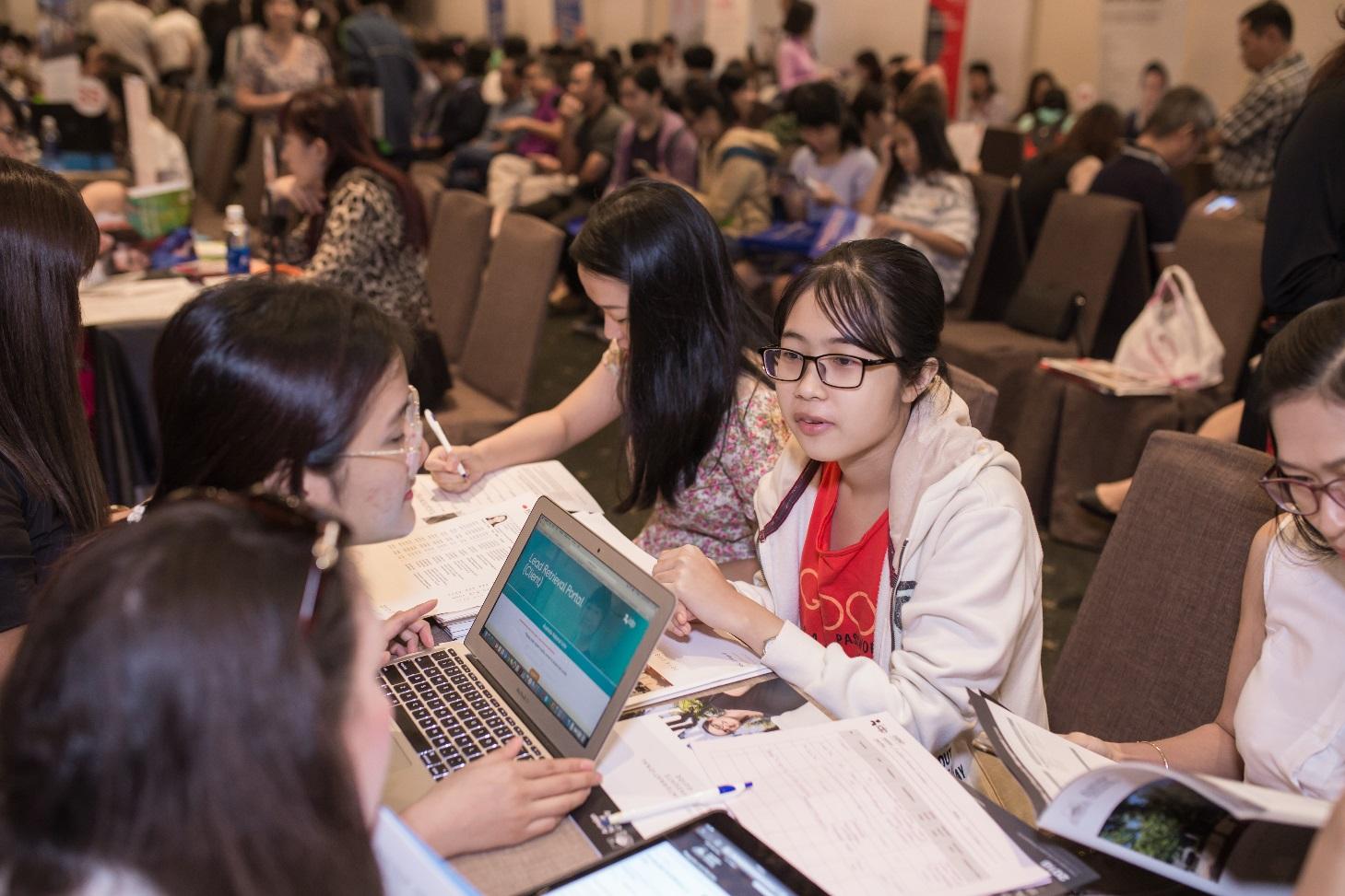 Ngày hội tư vấn tuyển sinh du học quốc tế: Ngành học tiềm năng thời đại 4.0 - Ảnh 2.