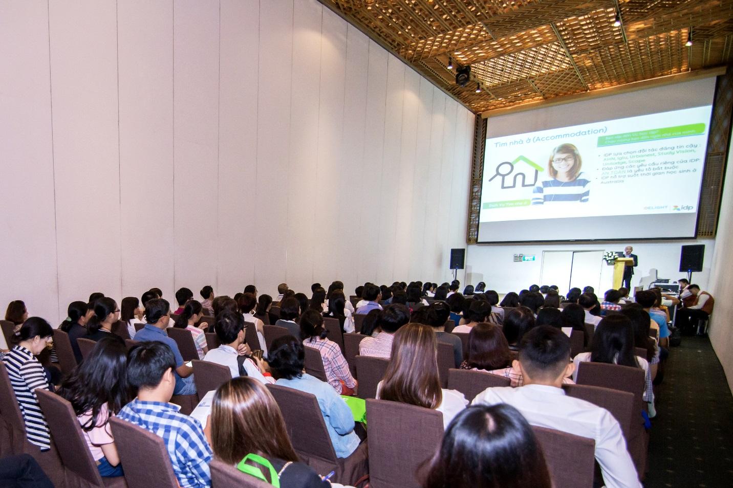 Ngày hội tư vấn tuyển sinh du học quốc tế: Ngành học tiềm năng thời đại 4.0 - Ảnh 3.