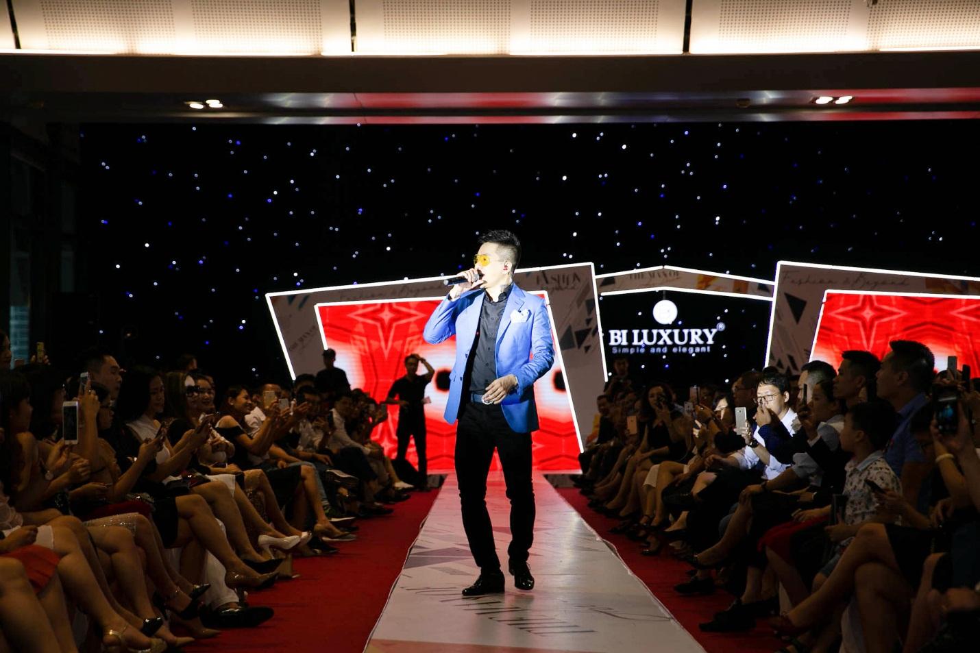 """Tuấn Hưng tái xuất tại show diễn thờitrang """"Fashion & Beyond"""" - Ảnh 2."""