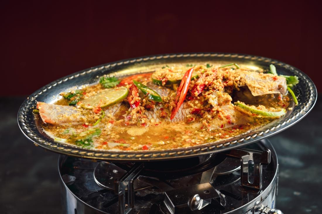 Chẳng cần sang Thái, Sài Gòn cũng có thiên đường món ăn nổi tiếng của xứ Chùa Vàng để bạn khám phá - Ảnh 5.