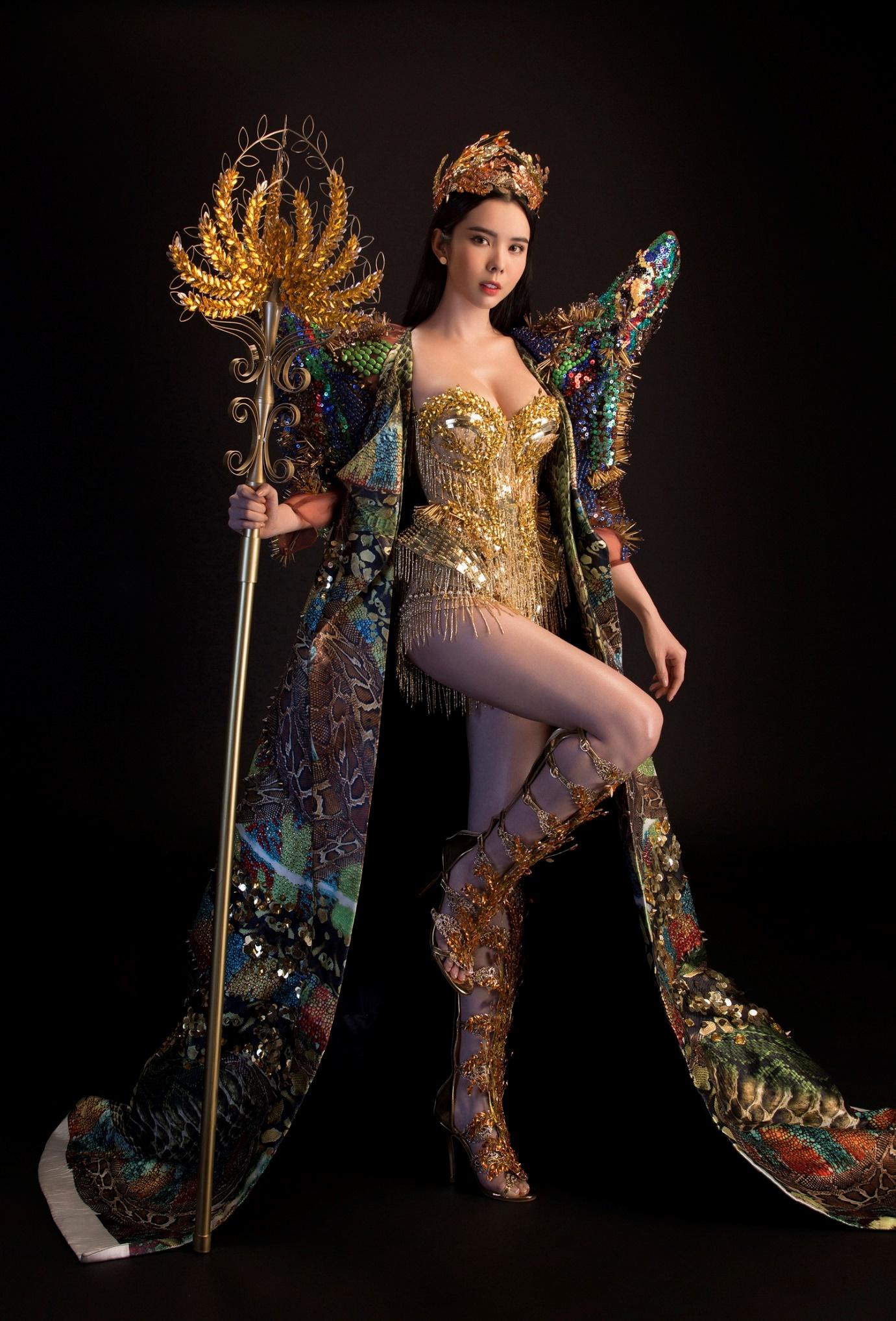 """Huỳnh Vy mang """"Nữ thần mùa màng"""" nặng 20 kg đến Miss Tourism Queen Worldwide 2018 - Ảnh 3."""