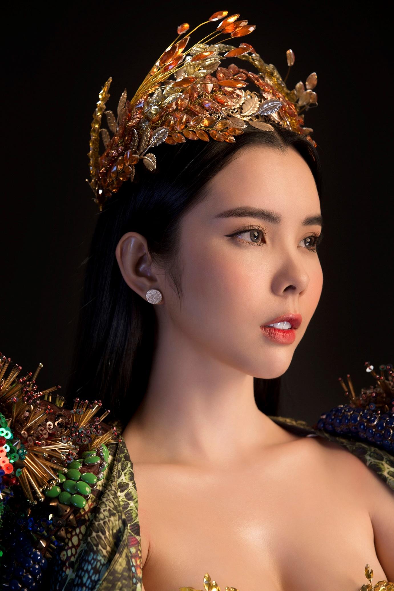 """Huỳnh Vy mang """"Nữ thần mùa màng"""" nặng 20 kg đến Miss Tourism Queen Worldwide 2018 - Ảnh 4."""