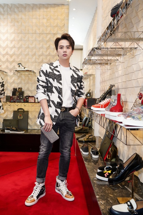 Duy Khánh - Will tiết lộ mê giày hàng hiệu không thua gì phái đẹp! - Ảnh 2.