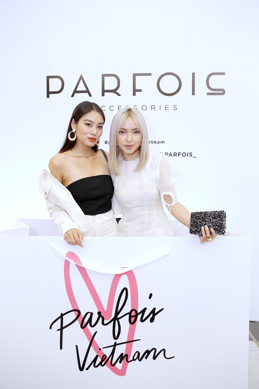 Châu Bùi, Phí Phương Anh cùng đông đảo tín đồ thời trang hội tụ tại cửa hàng phụ kiện đầu tiên của PARFOIS - Ảnh 2.