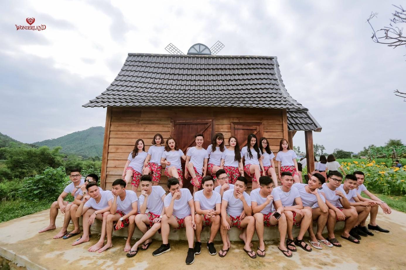 Phim trường Thái Nguyên đang gây sốt với cánh đồng cúc họa mi - Ảnh 14.