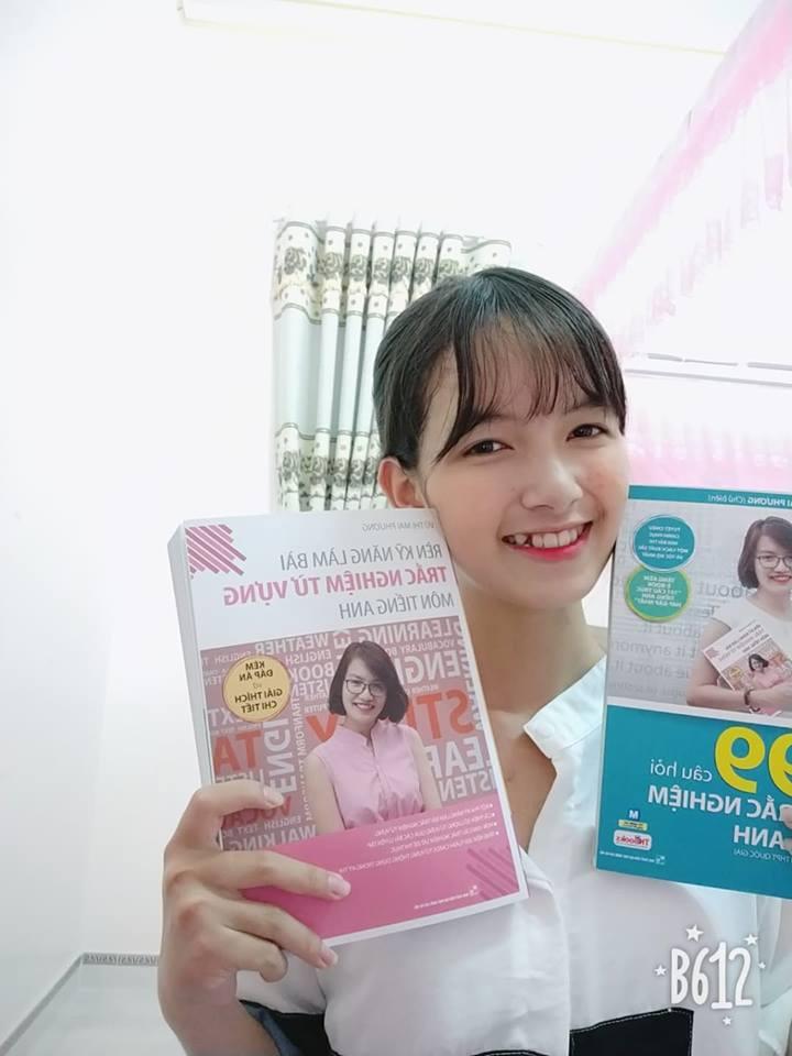 Hot face Yến Linh review bộ sách Luyện thi tiếng Anh THPT Quốc gia - Ảnh 1.