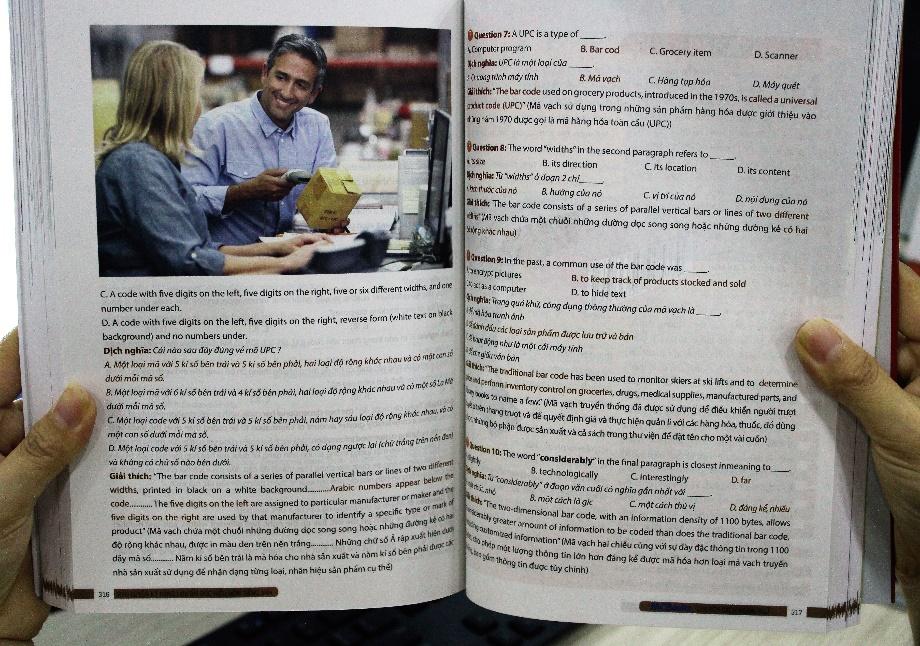 Hot face Yến Linh review bộ sách Luyện thi tiếng Anh THPT Quốc gia - Ảnh 3.