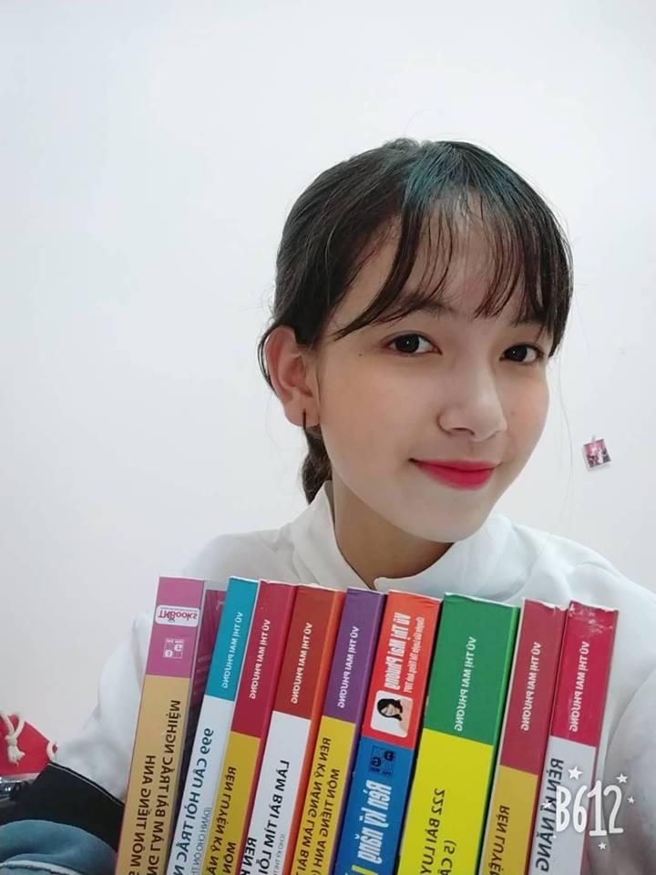 Hot face Yến Linh review bộ sách Luyện thi tiếng Anh THPT Quốc gia - Ảnh 4.