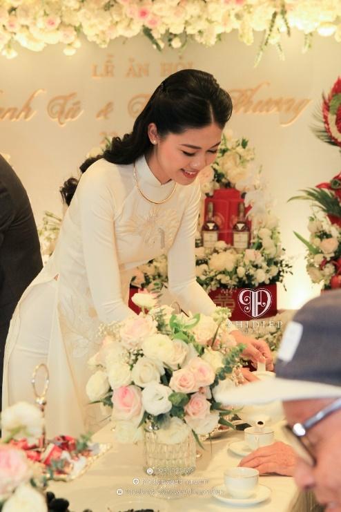 Đám hỏi Á hậu Thanh Tú: Bộ ảnh dàn tráp hoành tráng gây chú ý - Ảnh 3.