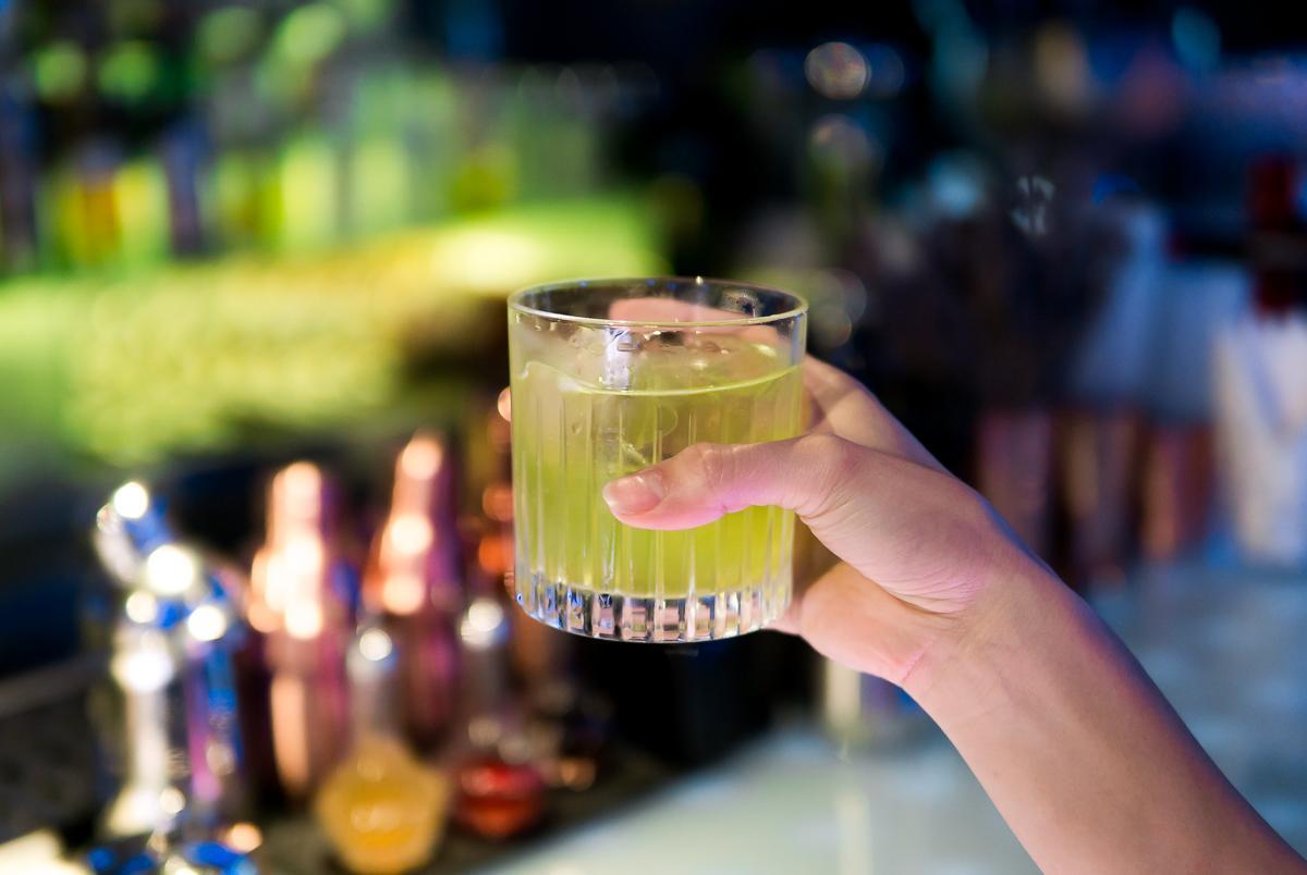 """Cocktail nhân sâm có hương vị ra sao, cùng food blogger Lê Ngọc của """"Nhà có hai người"""" trải nghiệm nào! - Ảnh 5."""