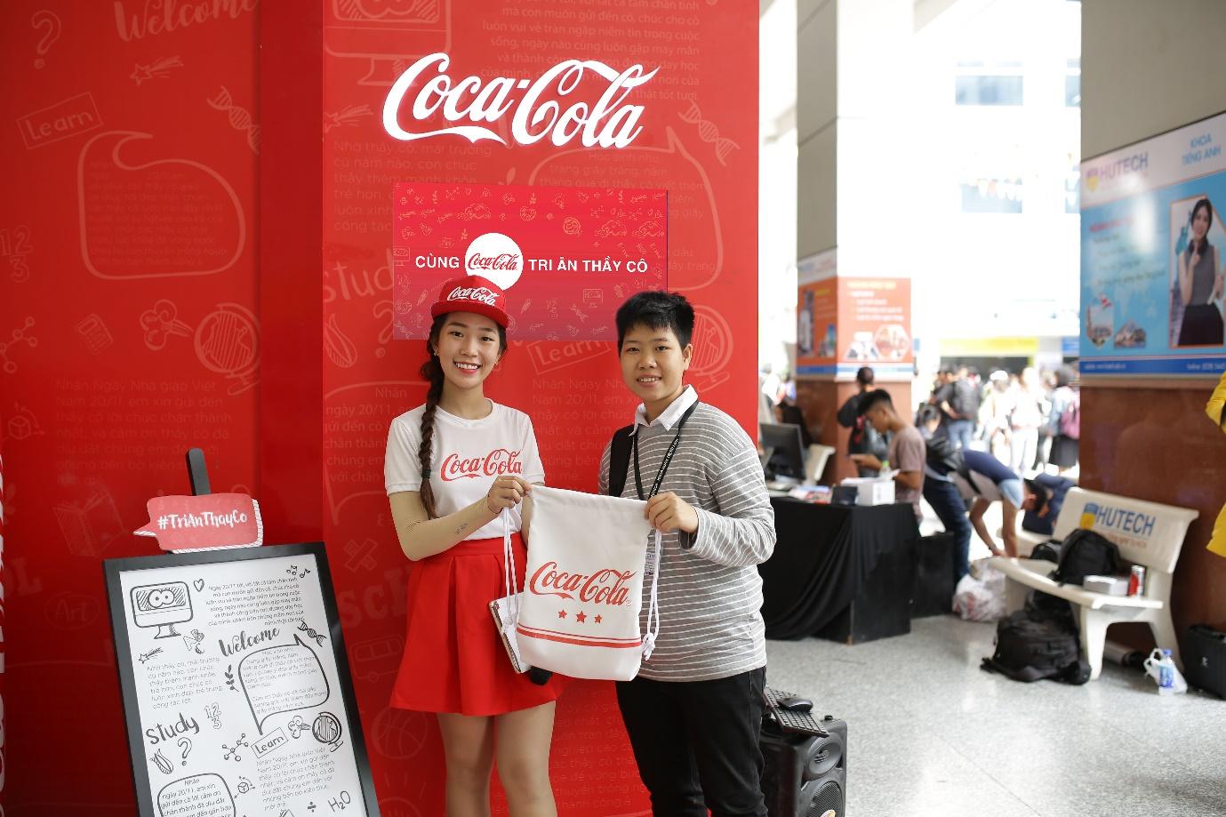 """Loạt ảnh rạng ngời của sinh viên trong sự kiện """"Cùng Coca-Cola tri ân thầy cô"""" - Ảnh 6."""